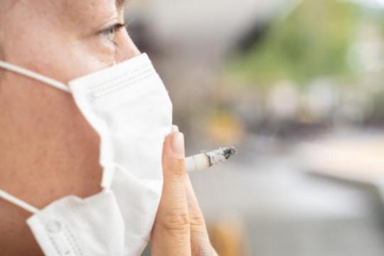 وزارة الصحة: التدخين يسهم في انتشار كورونا