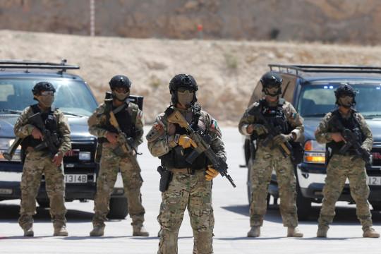 إنجازات الجيش العسكرية والإنسانية المستمرة - فيديو