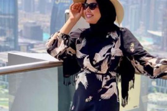 كيفية تنسيق القُبعات مع الحجاب