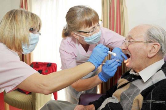 فيروس كورونا يجبر البريطانيين على ممارسة طب الأسنان المنزلي