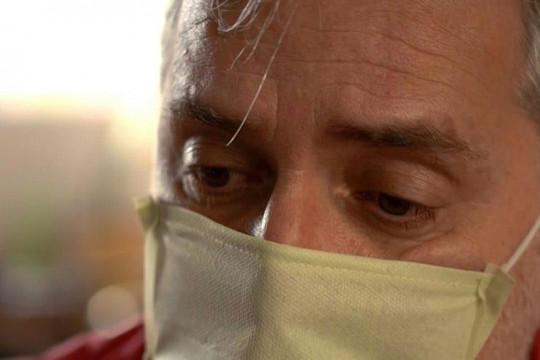 محنة مشتركة لامرأة وابنها في البرازيل بعد إصابتهما بفيروس كورونا