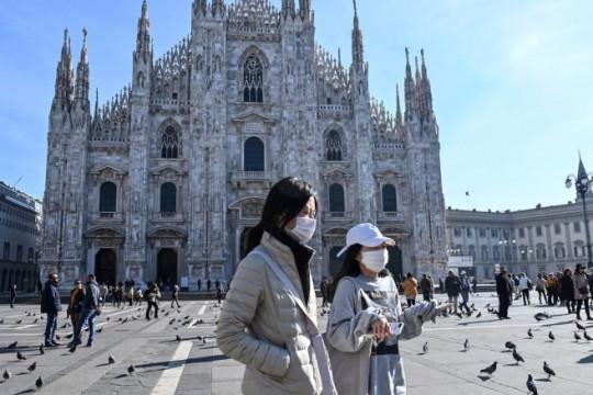 أجهزة تساعد على احترام المسافات الآمنة في كاتدرائية ايطالية
