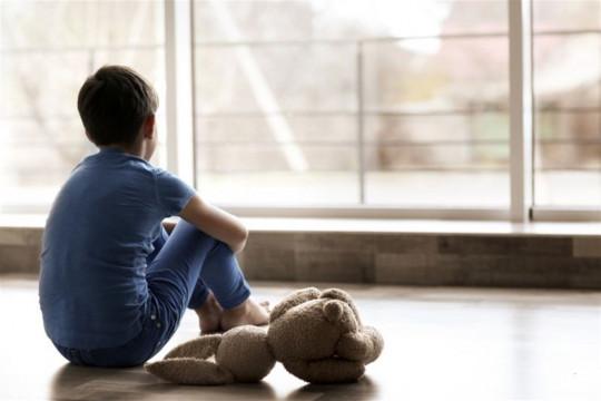 كيف يجب أن يتعامل الأهل مع الإضطراب النفسي لدى أبنائهم؟ - فيديو