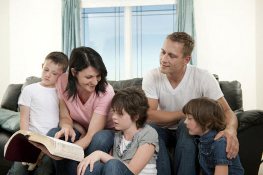 كيف نبني علاقة قوية وإيجابية مع أبنائنا؟ - فيديو