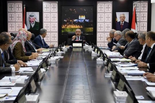 الحكومة الفلسطينية تقرر إعادة الحياة إلى شكلها الطبيعي