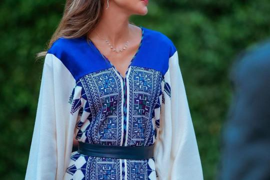 مصممة الأزياء نورا عابدين تتحدث عن سعادتها لارتداء الملكة رانيا العبدالله أحد تصاميمها - فيديو