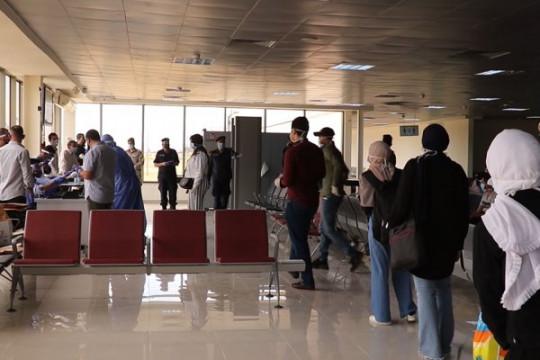 وصول الفوج الأول من الطلاب العائدين من الخارج