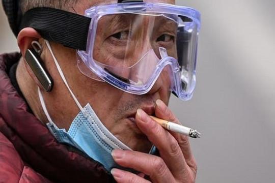 المدخنون أكثر عُرضة للإصابة بكورونا