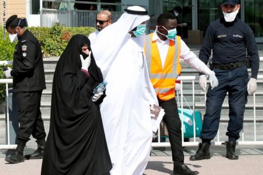 أكثر من 300 ألف إصابة بكورونا في الخليج