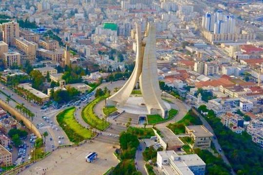 ارتفاع العجز التجاري في الجزائر