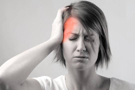 العديد من الأطعمة تُسبب الإصابة بالصُداع النصفي - فيديو
