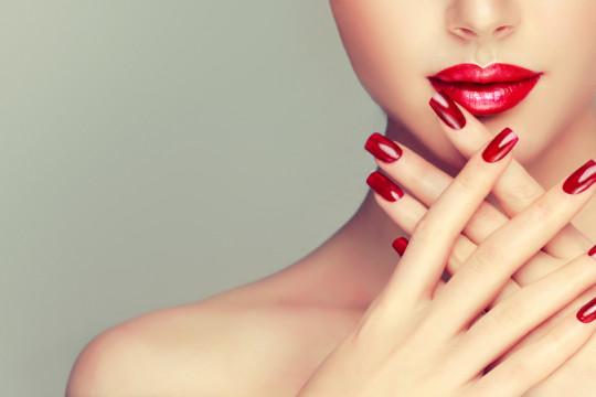 ما هي أضرار جل الأظافر؟