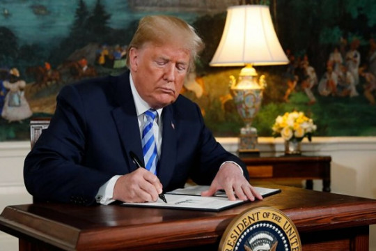 ترامب يوقع قانونًا يفرض عقوبات على مسؤولين صينيين