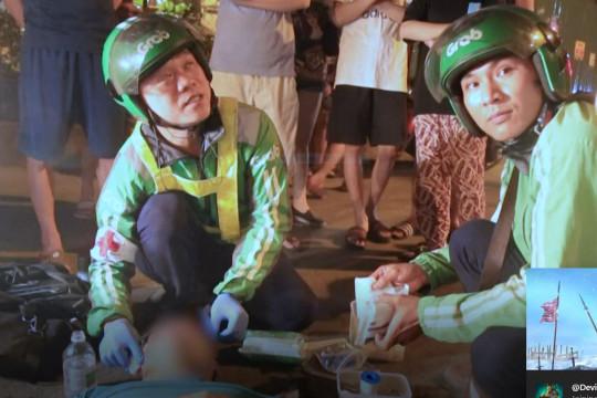 سائقو دراجات أجرة يسعفون مصابي الحوادث المرورية في فيتنام