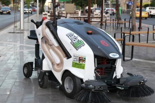 كانسات جديدة تبدأ الأسبوع المُقبل تنظيف الأرصفة والأزقة الصغيرة في عمان
